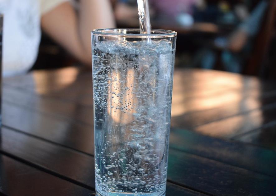 Água Mineral x Água Potável?